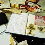 Fotomontaje en un cuaderno