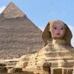 Fotomontaje en la Gran Pirámide de Giza