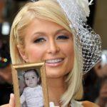 Marco para fotos con Paris Hilton