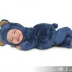 Fotomontaje infantil en rostro de un oso de peluche