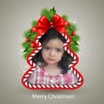 Fotomontaje en un árbol navideño
